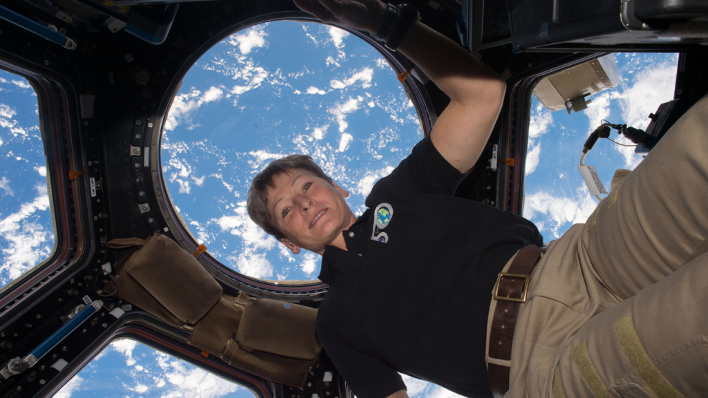 which astronaut remained in the space for the longest period of time - photo #18