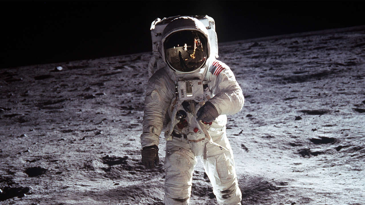 Buzz Aldrin's New Mission: Life On Mars