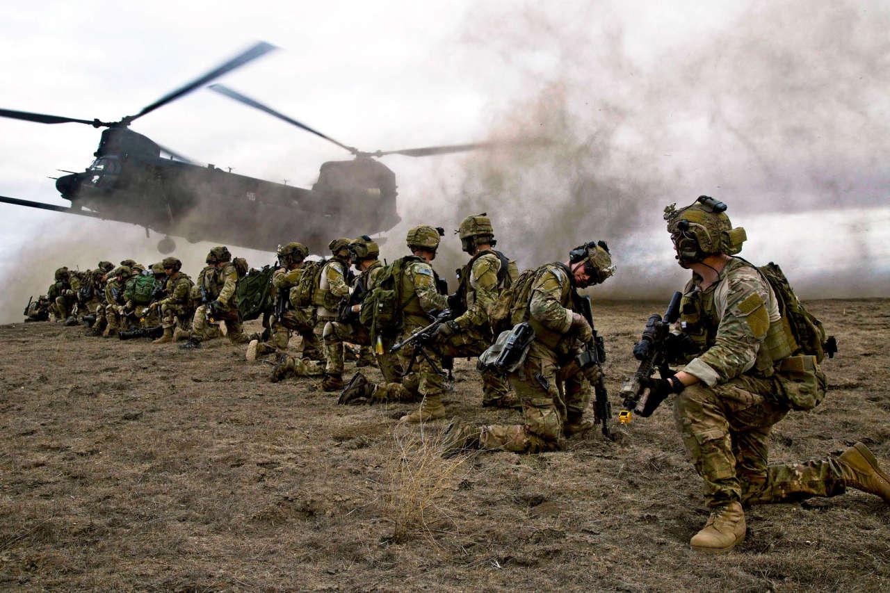 NI предупредил о надвигающейся катастрофе в армии США