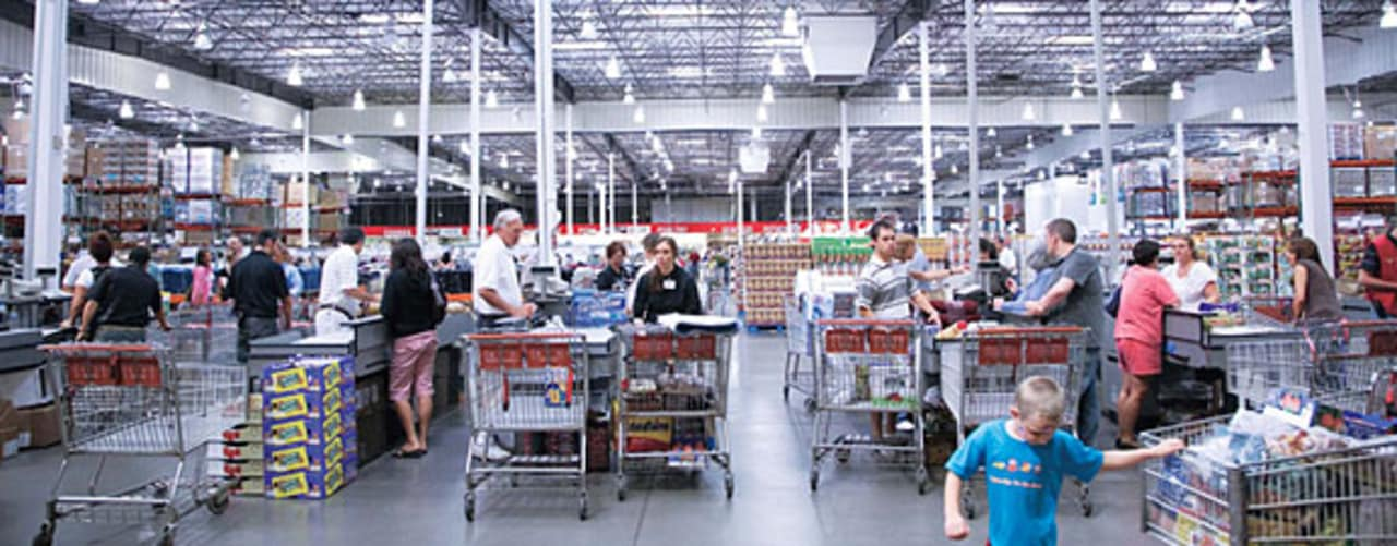 costco jim sinegal is an effective ceo Costco anaylsis 1 do you think jim sinegal is an effective ceo what grades would you give him in leading the process of crafting and executing costco's strategy.