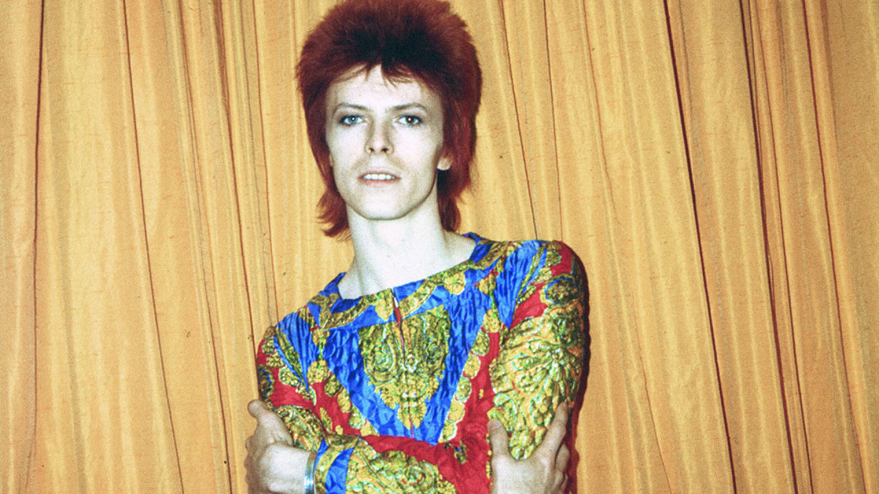 13 Immortal Costumes From The Closet Of David Bowie Co