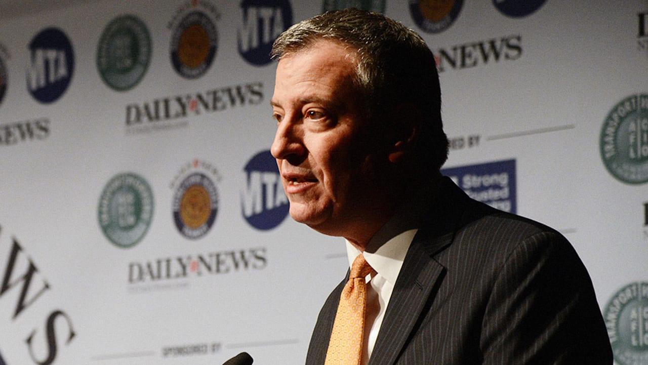 "Nyc Mayor Defends Police Body Camera Buy, Decrying Apetitor's €�smear""  Campaign"