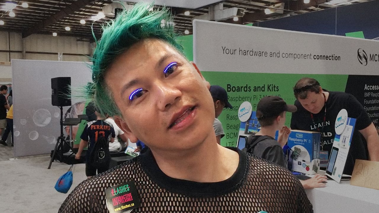 LED Fake Eyelashes Are The Wearable You Didn't Know You Nee…