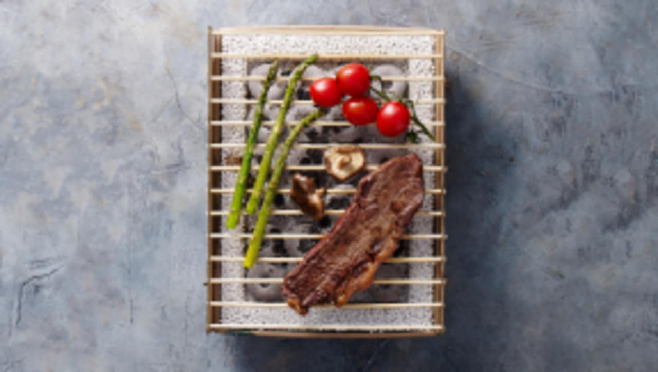 Use This Cardboard and Bamboo Grill, Then Throw It Away