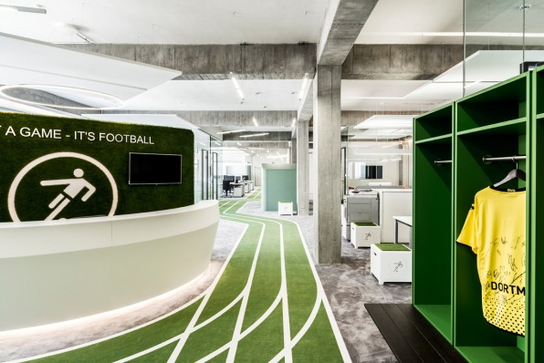 cool office space designs. it does have what most funobsessed startupsu0027 headquarters do not plenty of private space to work in teams or get on the phone with a celebrity cool office designs