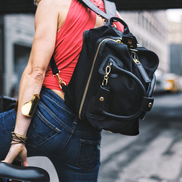 The 13 Best Gym Bags for Every Kind of Fashion Girl foto