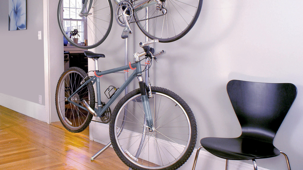 A Bike Rack That Relies On Basic Physics, Not Screws, To Stay Steady