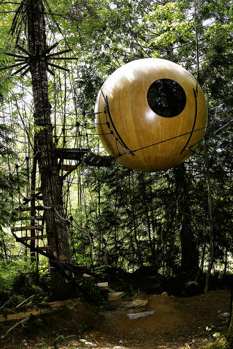 <p>Tom Chudleigh, Free Spirit Spheres, Qualicum Bay, British Columbia (Canada)</p>