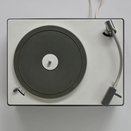 <p>Braun PS 2 (Dieter Rams, 1963). One of countless elegant turntables produced by Braun in the midcentury.</p>