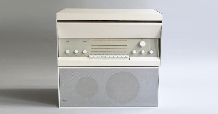 <p>Braun Atelier 3/Braun L 20 (Dieter Rams, 1962). For Braun, audio equipment was essentially a loss leader item for the brand.</p>
