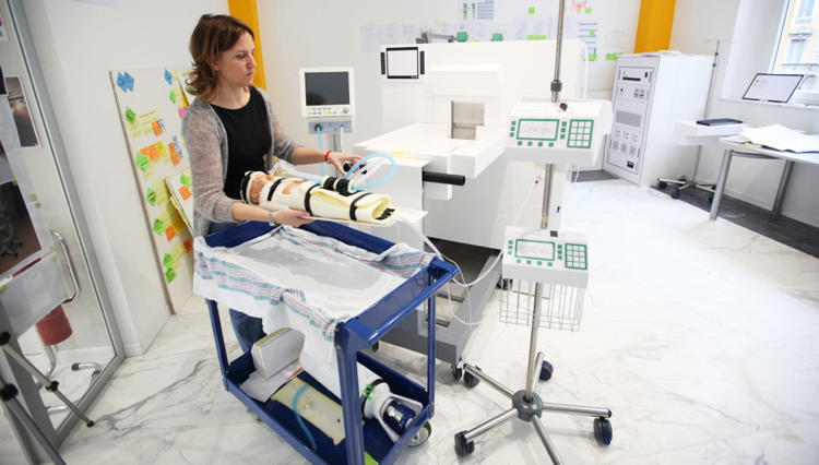 <p>Frog built a full-scale simulated NICU unit in their Milan studio to engage in fully immersive product interaction and workflow testing.</p>